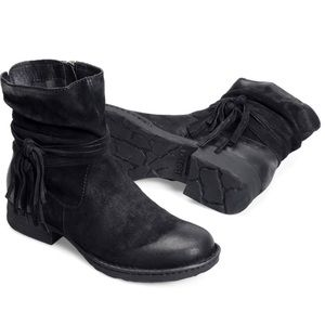 Born Cross sz 7 black suede tassel boots